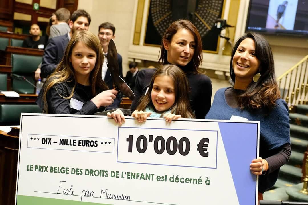 L'Ecole Maximilien reçoit le 1er Prix belge des droits de l'Enfant